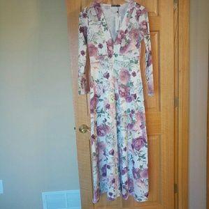 NWT Alisha Floral Print Maxi Dress
